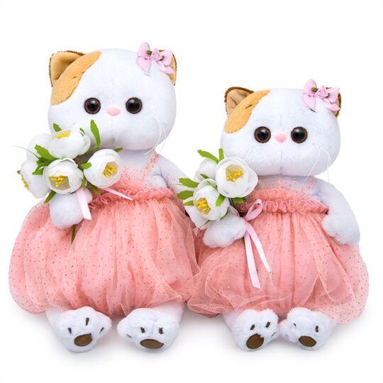 Li-Li  with white bouquet