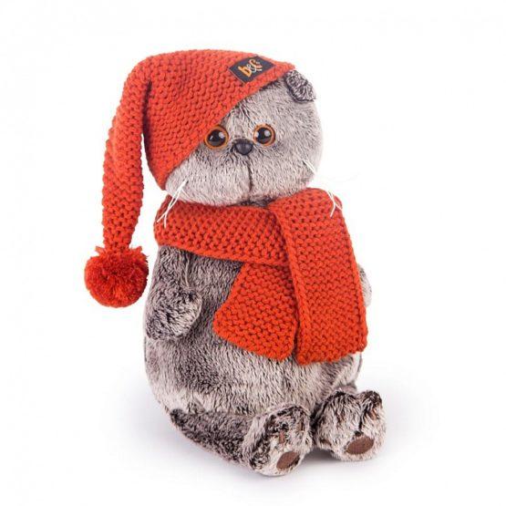 Basik mit Strickmütze und Schal